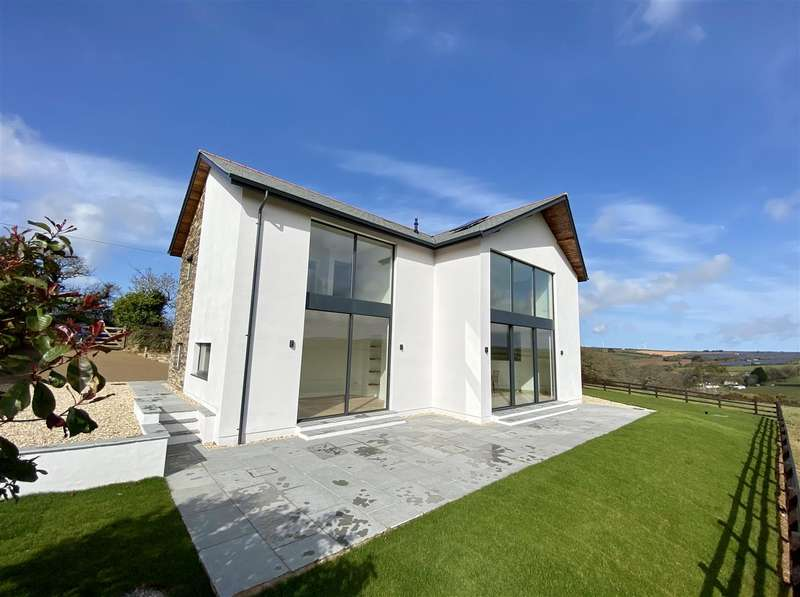 5 Bedrooms Detached House for sale in Tregavethan, Truro