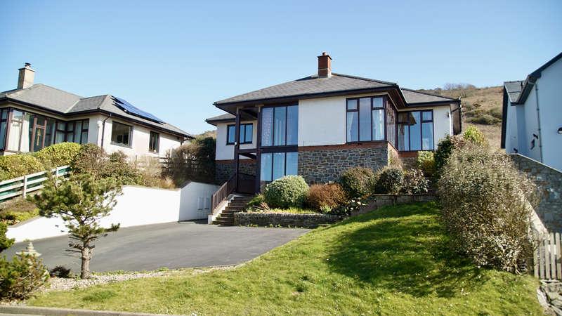 4 Bedrooms Detached Bungalow for sale in Hafod Wen, Felin Y Mor, Aberystwyth, Ceredigion