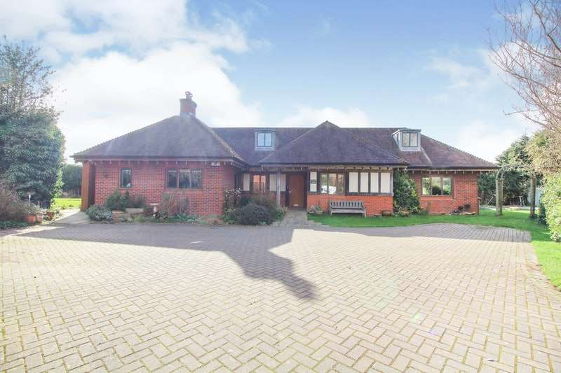 5 Bedrooms Detached House for sale in Main road, Kempsey, Worcestershire, WR5