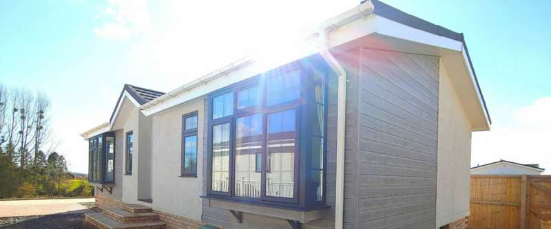 2 Bedrooms Mobile Home for sale in Residential Park Home, Bromyard, Herefordshire
