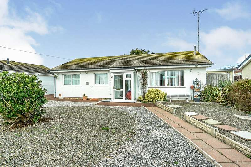 3 Bedrooms Detached Bungalow for sale in Kinmel Close, Kinmel Bay, Conwy, LL18