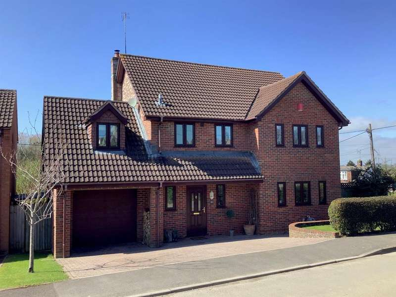 5 Bedrooms Detached House for sale in Dilton Marsh, Westbury