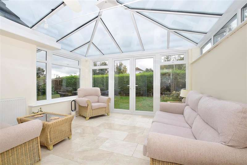 4 Bedrooms Detached House for sale in Hunting Gate, , Birchington, Kent