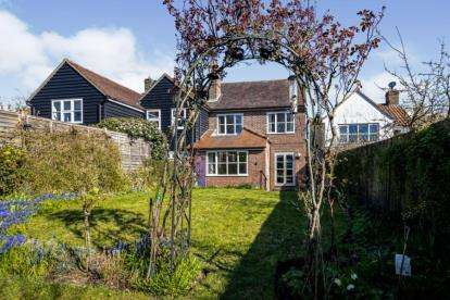 3 Bedrooms Semi Detached House for sale in Great Chesterford, Saffron Walden