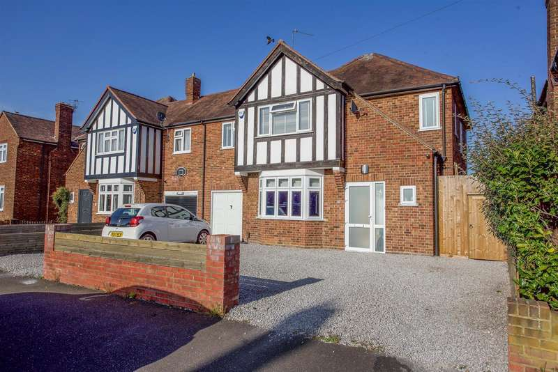 4 Bedrooms Semi Detached House for sale in St. Albans Avenue, Hanworth