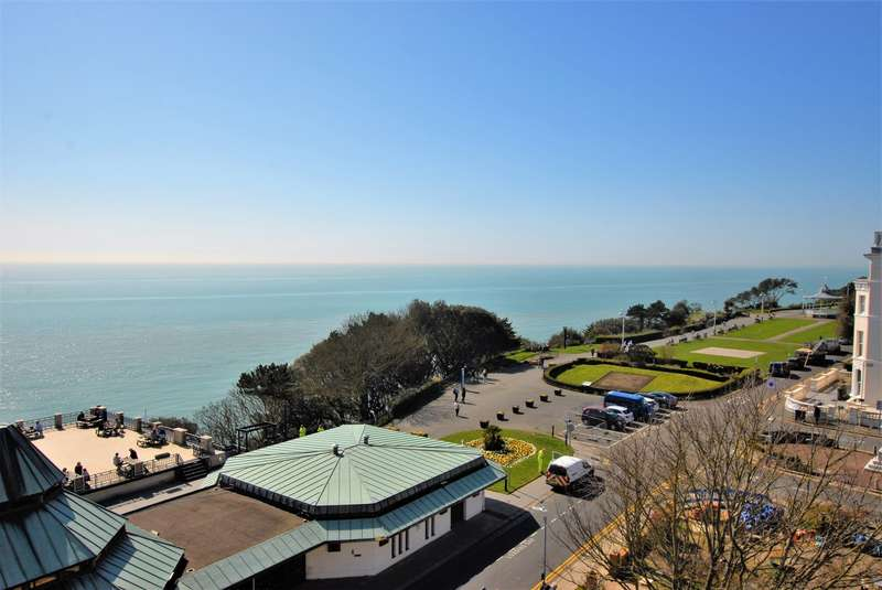 3 Bedrooms Apartment Flat for sale in The Leas, Folkestone, CT20
