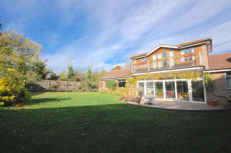 4 Bedrooms Detached House for sale in The Street, White Notley, Witham