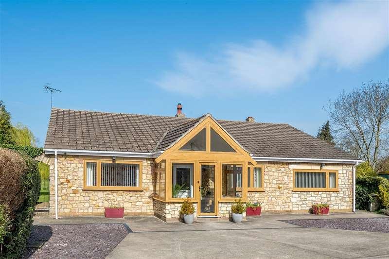 4 Bedrooms Bungalow for sale in Main Road, Washingborough, Lincoln