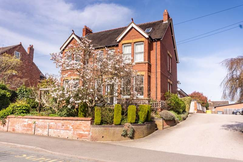 4 Bedrooms Semi Detached House for sale in Beacon Street, Lichfield, WS13