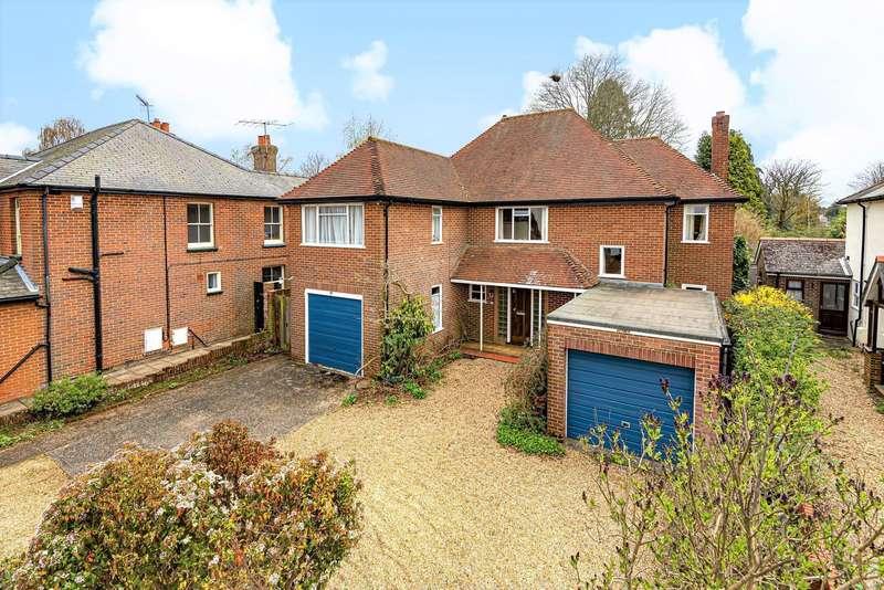 4 Bedrooms Detached House for sale in Busbridge Lane, Godalming, GU7