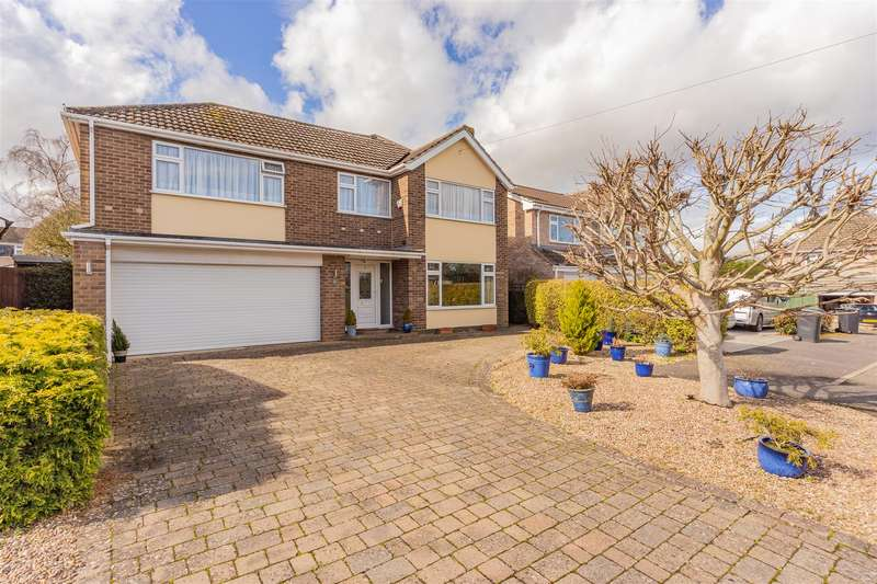 4 Bedrooms Detached House for sale in Holyrood Close, Oakham