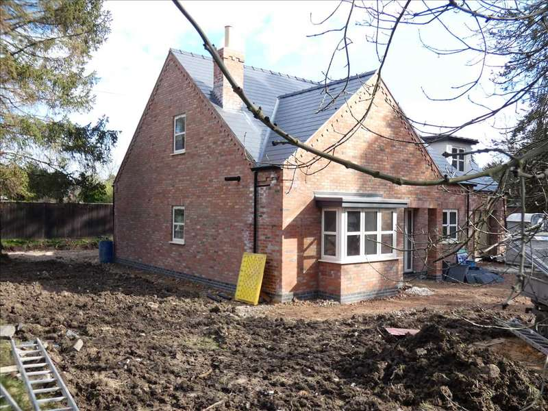 4 Bedrooms Detached House for sale in HUMBERSTON AVENUE, HUMBERSTON, GRIMSBY
