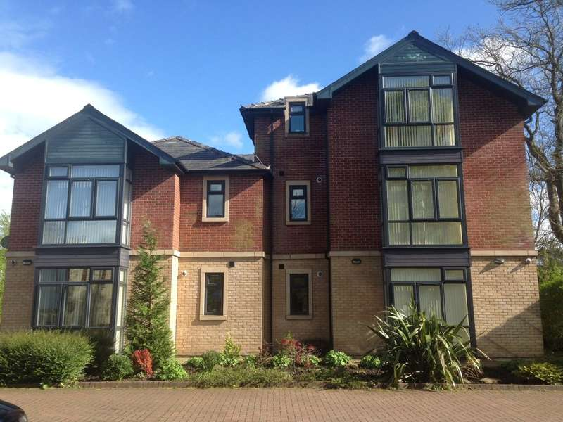 2 Bedrooms Flat for rent in Pargate Chase, Norden, OL11 5DZ