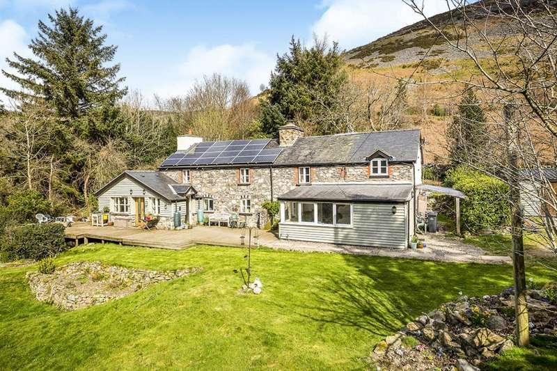 4 Bedrooms Detached House for sale in Llangynog, Oswestry, Powys, SY10