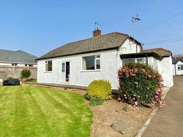 3 Bedrooms Bungalow for sale in St Tudy