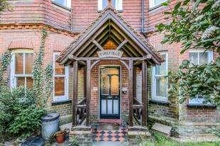 1 Bedroom Flat for sale in Firefield, Brightling Road, Robertsbridge, East Sussex