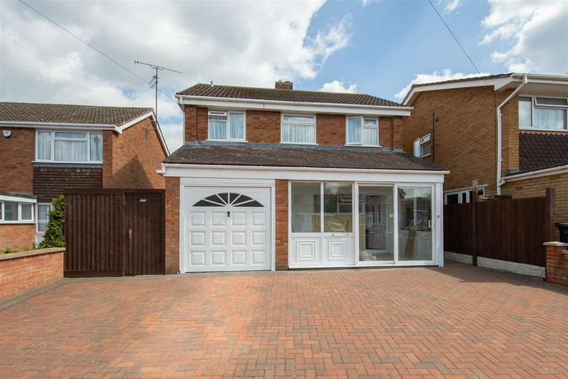 3 Bedrooms Detached House for sale in Thresher Close, Luton