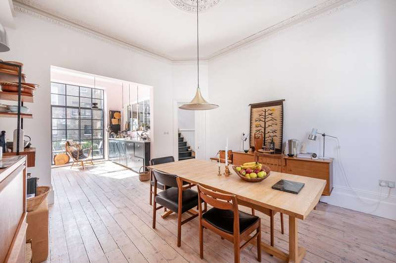 4 Bedrooms House for sale in Barton Road, Barons Court, W14