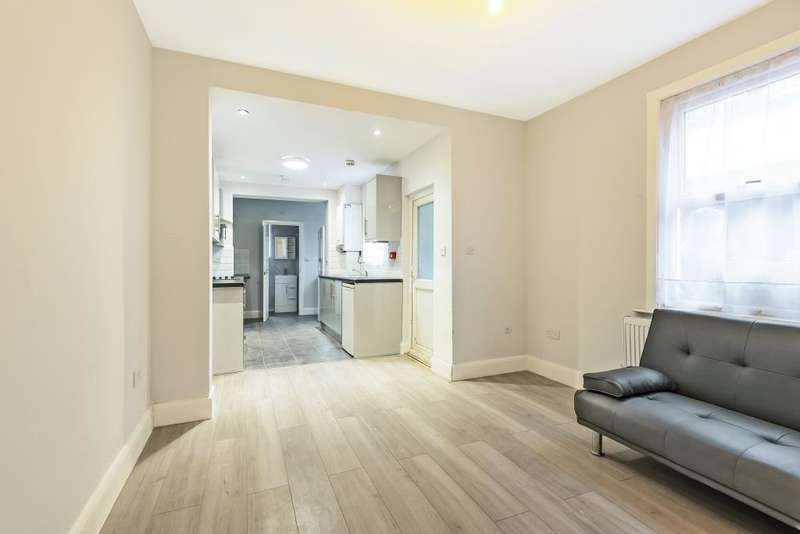 4 Bedrooms Semi Detached House for sale in Slough, Berkshire, SL1