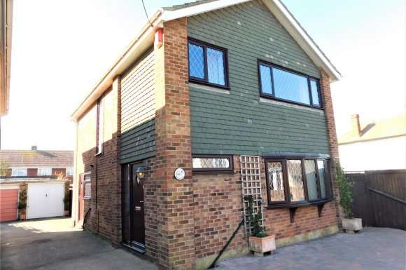 4 Bedrooms Property for sale in Seathorpe Avenue, Minster On Sea, Sheerness