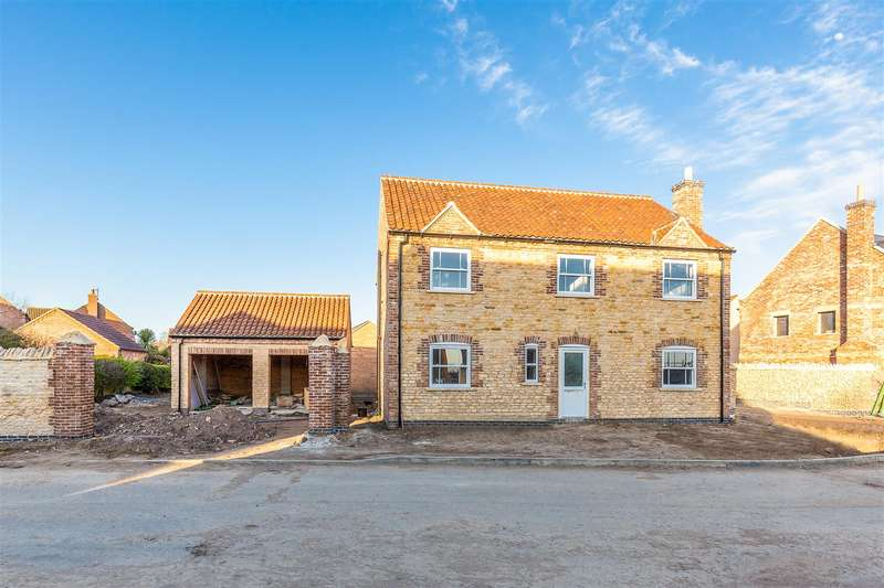 4 Bedrooms Detached House for sale in Cleveland Avenue, North Hykeham, Lincoln