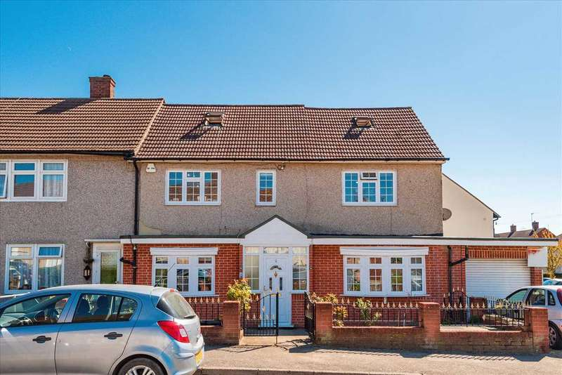 5 Bedrooms End Of Terrace House for rent in Holt Way, Chigwell