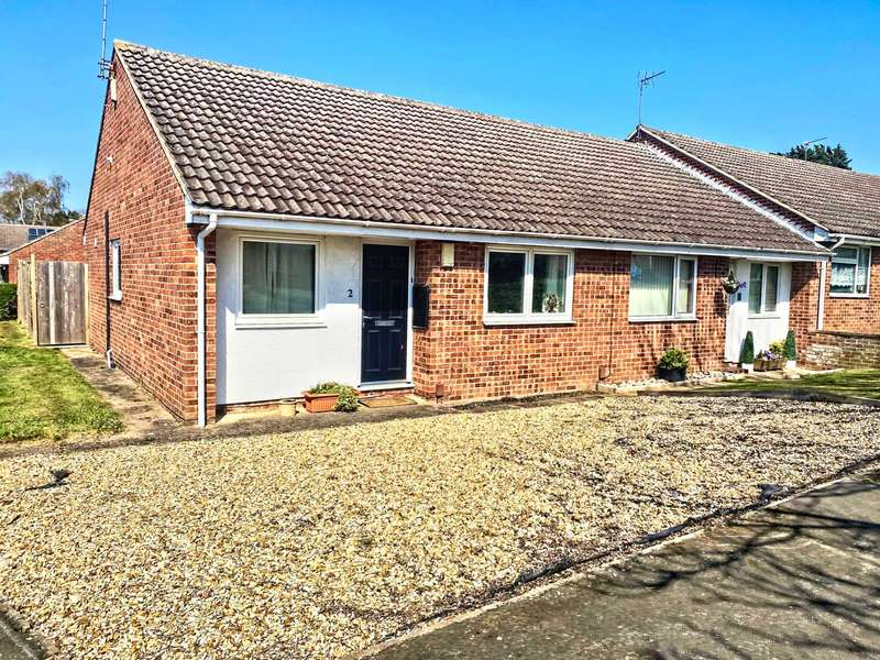2 Bedrooms Bungalow for sale in Glenarm Crescent, Lincoln, LN5