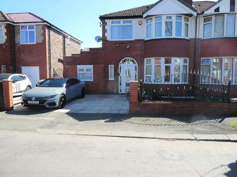 3 Bedrooms Semi Detached House for sale in Northleigh Road, Firswood, Manchester. M16 0EQ