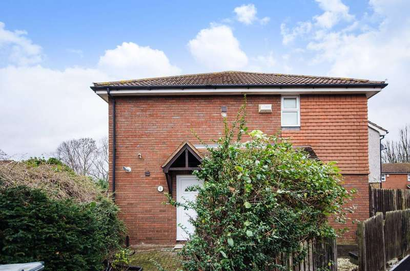 1 Bedroom House for sale in Latham Close, Beckton, E6