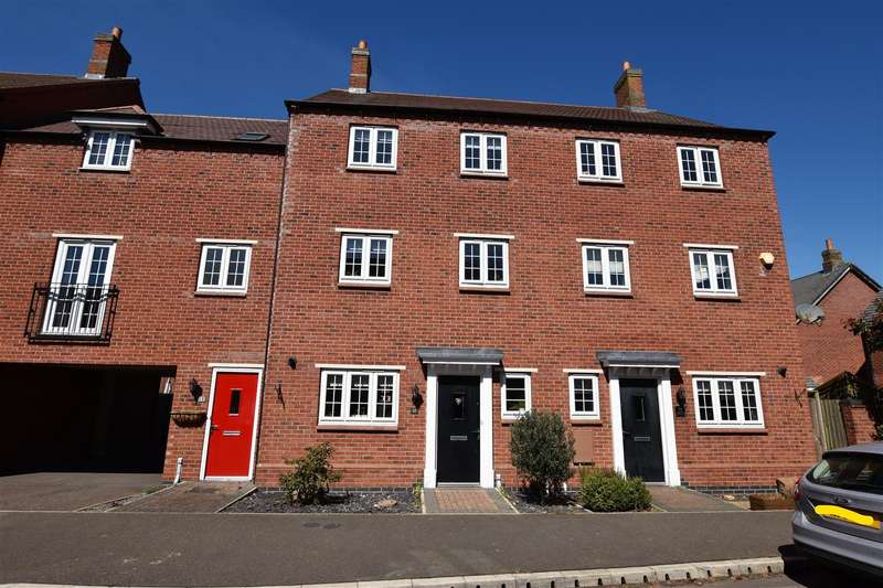 4 Bedrooms Town House for sale in Edward Phillipps Road, Hathern, Loughborough