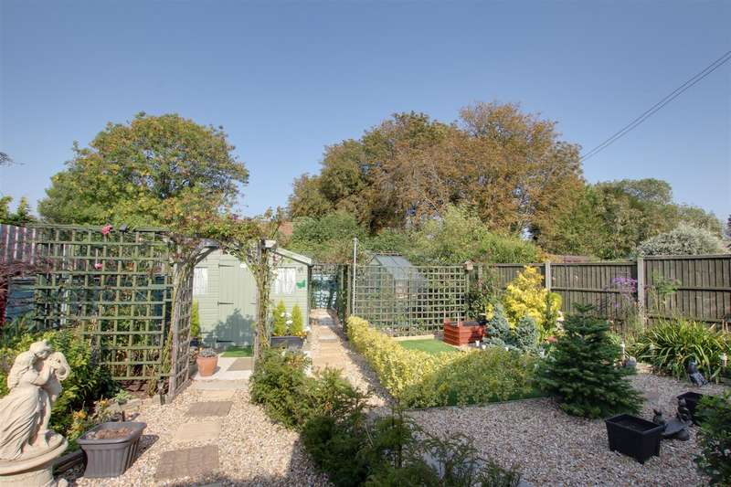 2 Bedrooms Detached Bungalow for sale in Beesby Road, Maltby Le Marsh, Alford