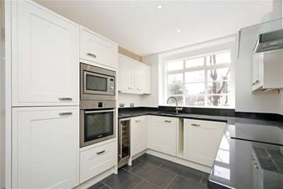 4 Bedrooms Flat for rent in Holland Villas Road, Holland Park, W14