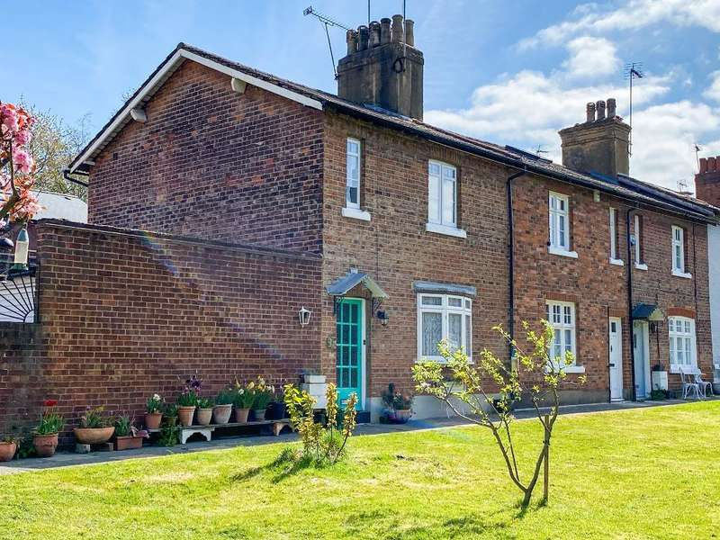 2 Bedrooms House for sale in Johnston Terrace, Cricklewood, London, NW2 6QJ
