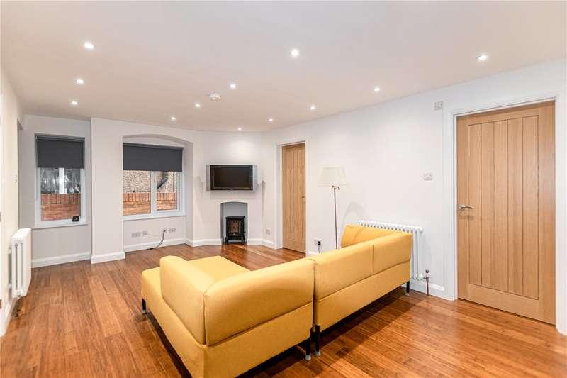 2 Bedrooms Maisonette Flat for sale in Alexandra Drive, London