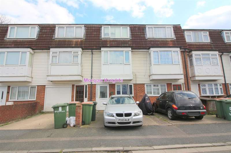 4 Bedrooms Terraced House for sale in Wilkinson Road, Custom House, E16