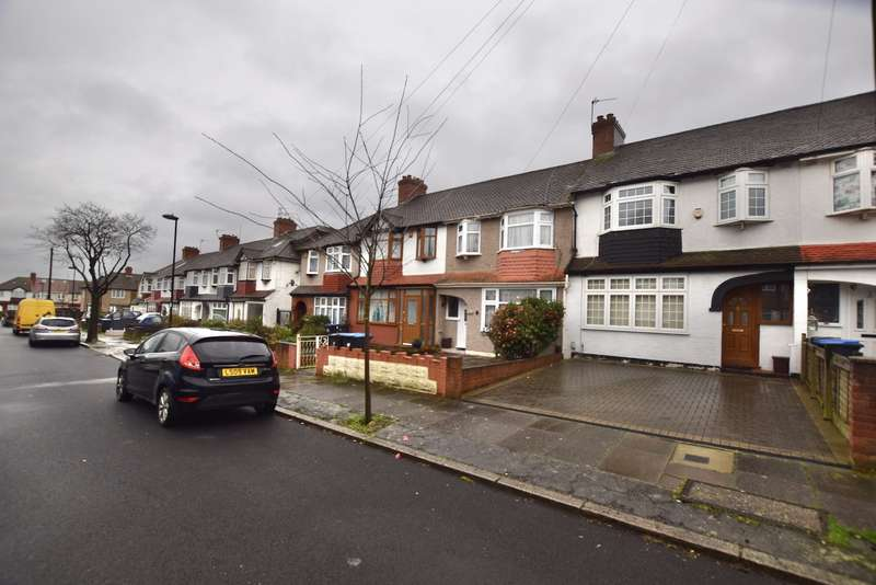 3 Bedrooms Terraced House for sale in Canada Avenue, London N18