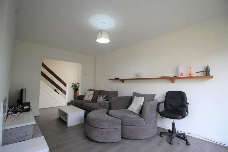 3 Bedrooms Terraced House for sale in Wythenshawe Road, Manchester, M23 9DD