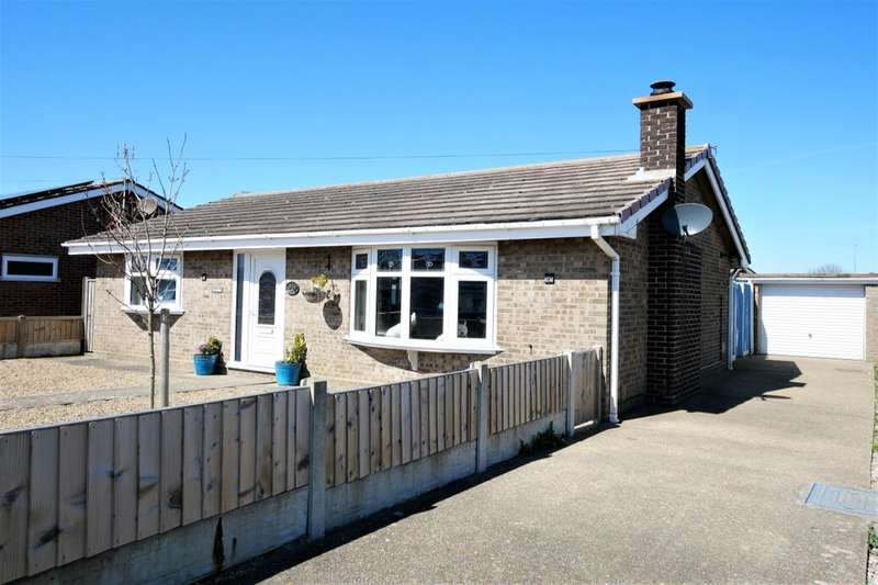 2 Bedrooms Detached Bungalow for sale in Champion Way, Mablethorpe, LN12