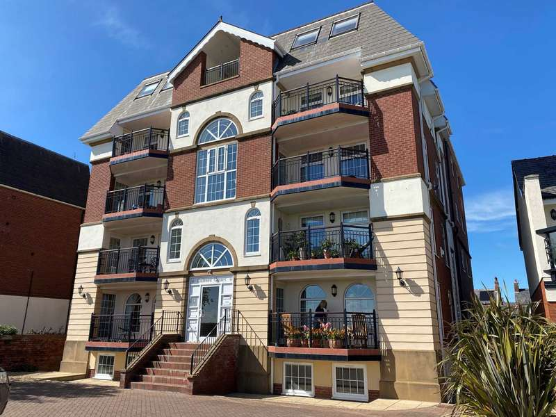 2 Bedrooms Apartment Flat for sale in East Beach, Lytham