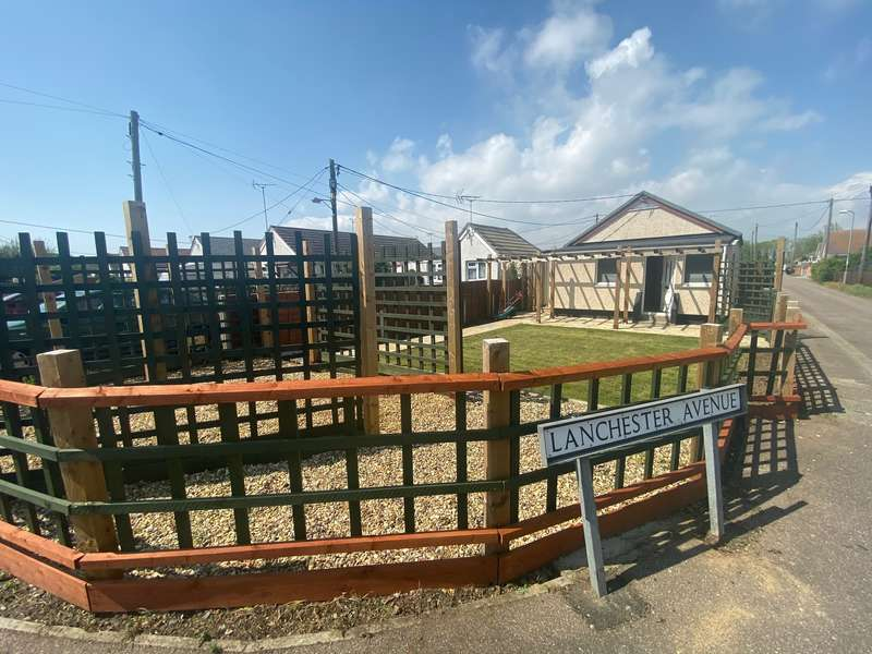 2 Bedrooms Detached Bungalow for sale in Midway Jaywick, Clacton On Sea, Essex CO15