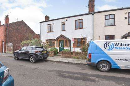 4 Bedrooms Semi Detached House for sale in Mount Street, Swinton, Manchester, Greater Manchester