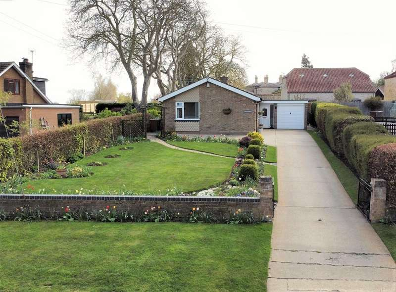 3 Bedrooms Detached Bungalow for sale in Barff Road, Potterhanworth, Lincoln