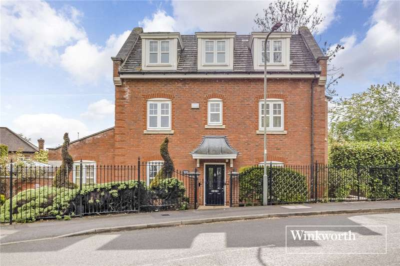 4 Bedrooms Detached House for sale in Tavistock Avenue, Mill Hill East, London, NW7