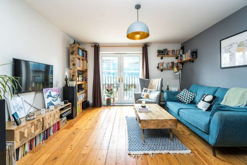 2 Bedrooms Flat for sale in Havil Street, London