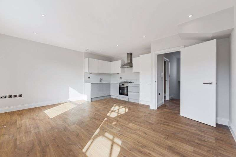 3 Bedrooms Property for sale in Ashmore Road, Queens Park, London W9