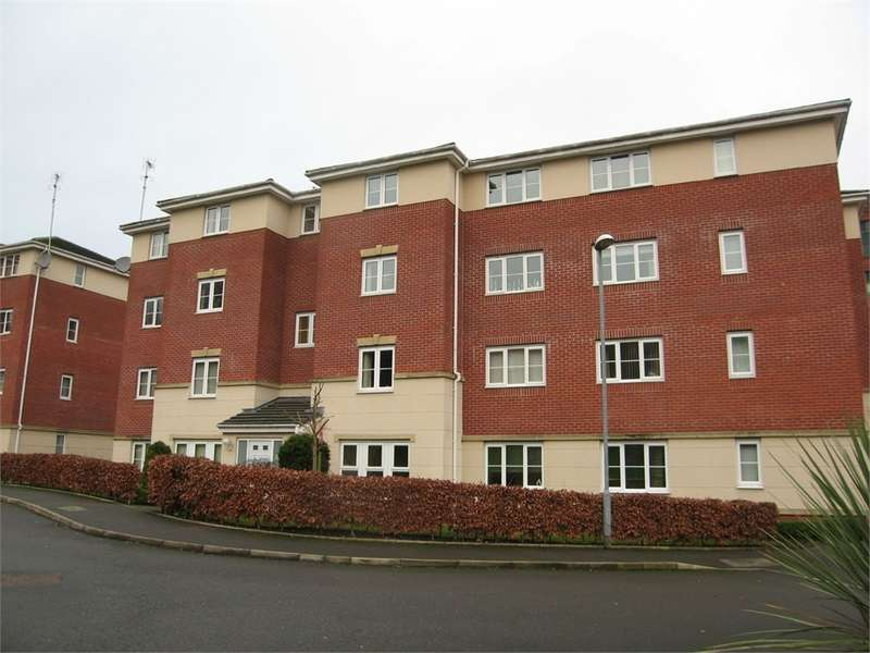 2 Bedrooms Flat for rent in Whitecroft Meadow, Alkrington, Middleton, Manchester, Lancashire