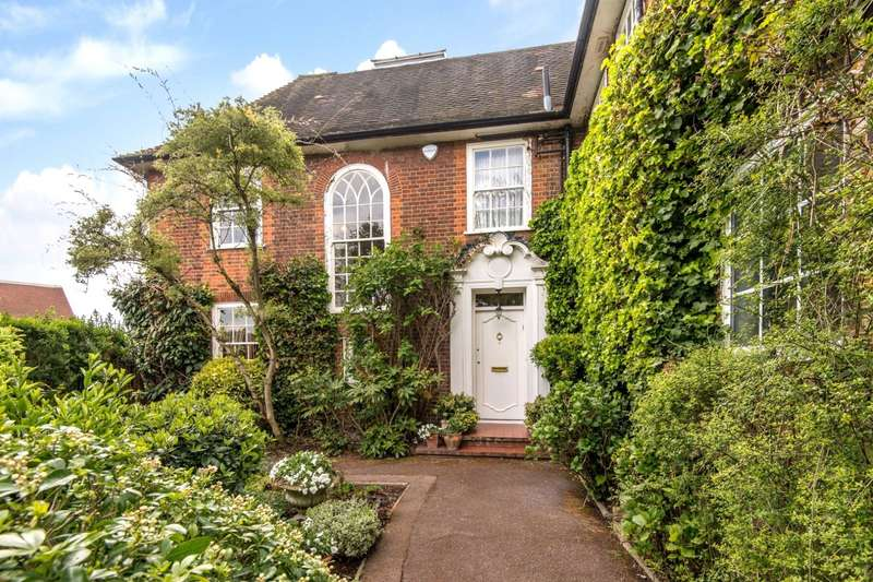 6 Bedrooms Detached House for sale in Farm Avenue, The Hocrofts, London, NW2
