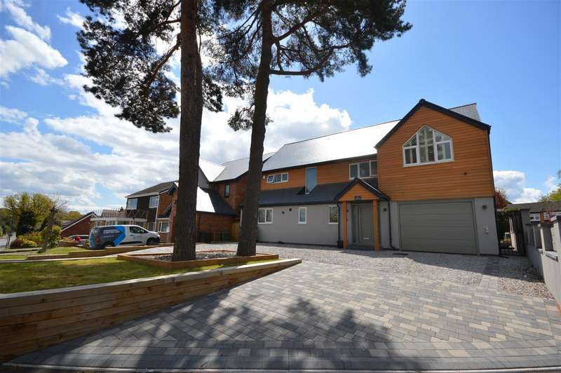 5 Bedrooms Detached House for sale in The Pines, Bickenhill Road, Birmingham