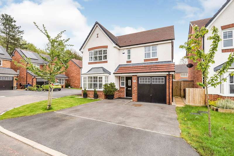 4 Bedrooms Detached House for sale in Alexander Close, Chorley, Lancashire, PR7