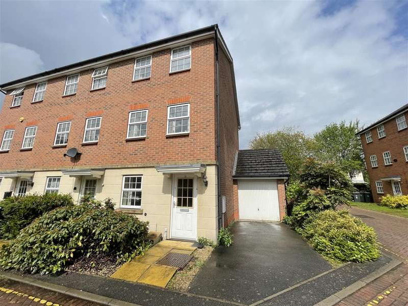 3 Bedrooms Town House for sale in Robin Mews, Loughborough, LE11 3HJ